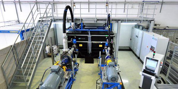 InfraServ Gendorf Technik nimmt Pumpenprüfstand von Vogelsang & Benning in Betrieb